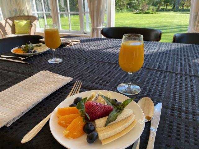 Breakfast at Tipapa Estate